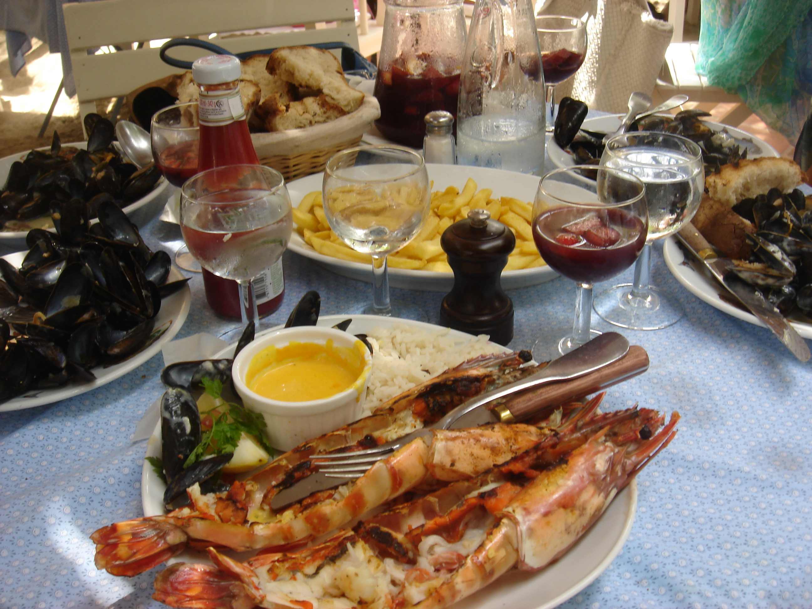 The Glam Foodie In St Tropez Le Club 55 Sip Chat Chow